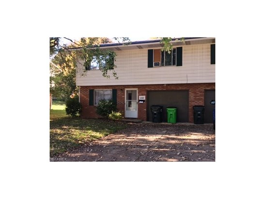 4388 4392 N Norman Dr, Stow, OH - USA (photo 1)