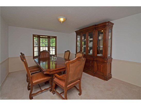 27346 Edgepark Dr, North Olmsted, OH - USA (photo 5)