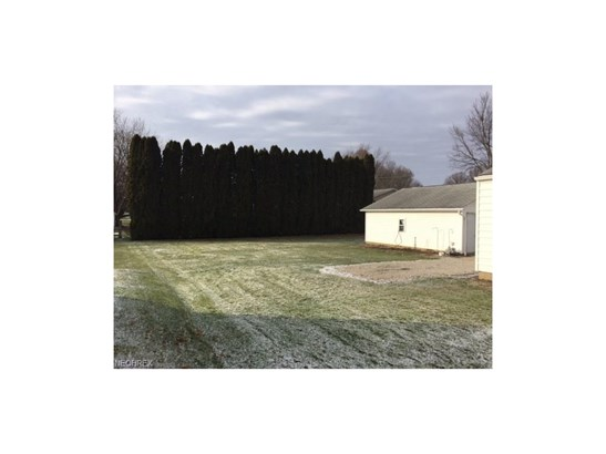 217 S Crown Hill Rd, Orrville, OH - USA (photo 4)