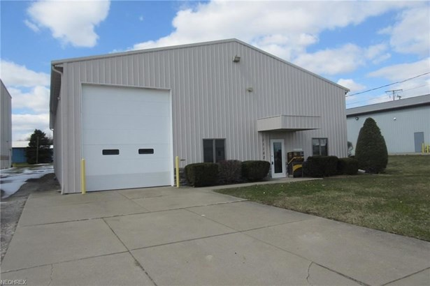 11182 Industrial Nw, Bolivar, OH - USA (photo 2)