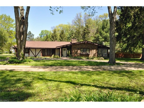 5495 Barton Rd, North Olmsted, OH - USA (photo 3)
