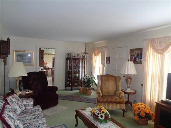 1465 Oakridge Dr, Ambridge, PA - USA (photo 5)