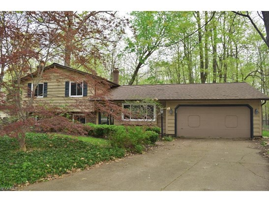 8739 Hilltop Dr, Mentor, OH - USA (photo 2)