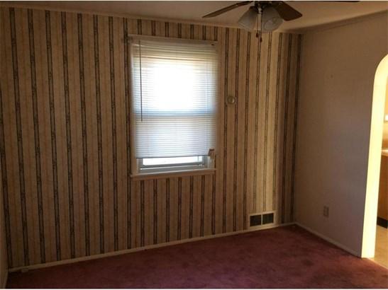 650 Wengler, Sharon, PA - USA (photo 3)