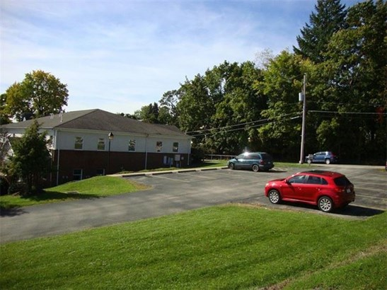 1097 Oak Street, Indiana, PA - USA (photo 2)