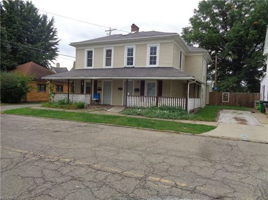 119 E 6th St, Uhrichsville, OH - USA (photo 1)