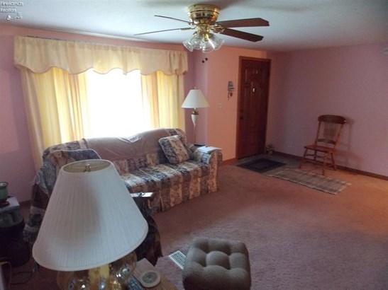 2585 Oak Harbor Rd., Fremont, OH - USA (photo 3)