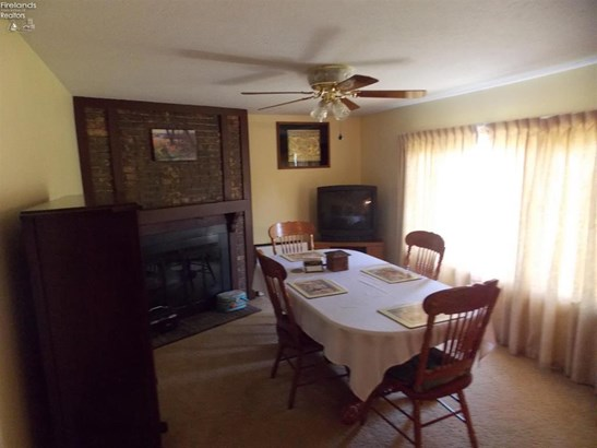 2585 Oak Harbor Rd., Fremont, OH - USA (photo 5)