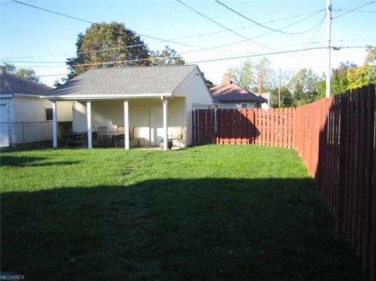 9402 Pinegrove Ave, Parma, OH - USA (photo 2)