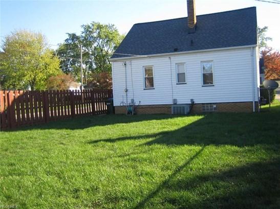 9402 Pinegrove Ave, Parma, OH - USA (photo 3)