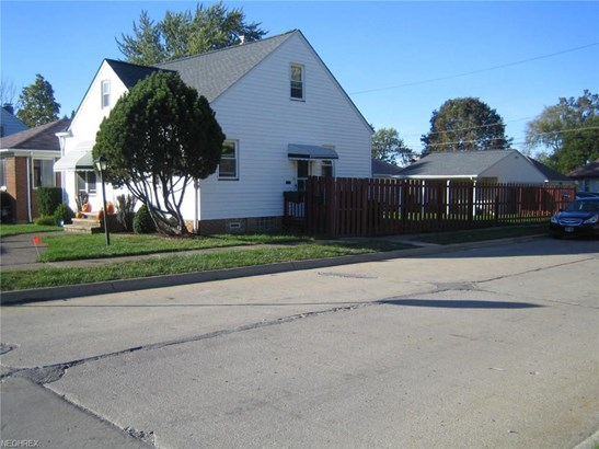 9402 Pinegrove Ave, Parma, OH - USA (photo 4)