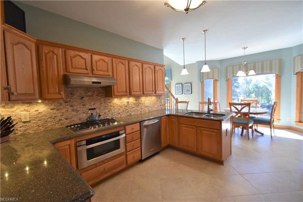 6876 Country View Dr, Valley City, OH - USA (photo 3)