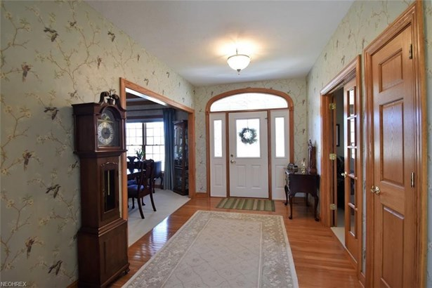 6876 Country View Dr, Valley City, OH - USA (photo 5)