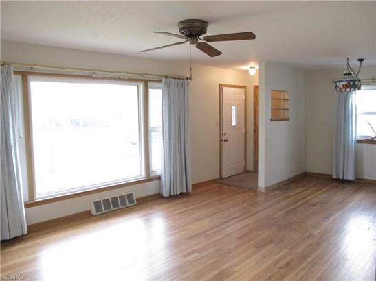 15521 Steinway Blvd, Maple Heights, OH - USA (photo 4)