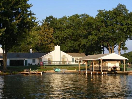 2532 Tupelo Dr, Roaming Shores, OH - USA (photo 1)