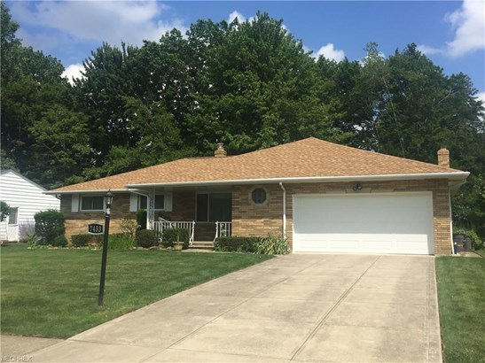 7433 Pinewood Dr, Middleburg Heights, OH - USA (photo 1)