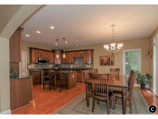 7310 Highbluff Ct, Concord, OH - USA (photo 2)