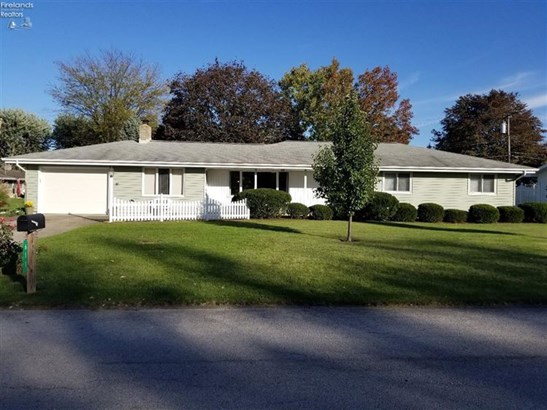 611 Greenfield Drive, Fremont, OH - USA (photo 1)