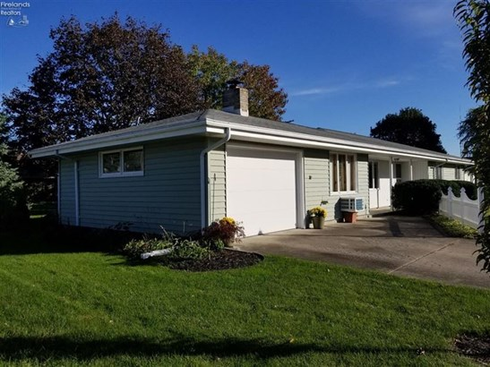 611 Greenfield Drive, Fremont, OH - USA (photo 3)