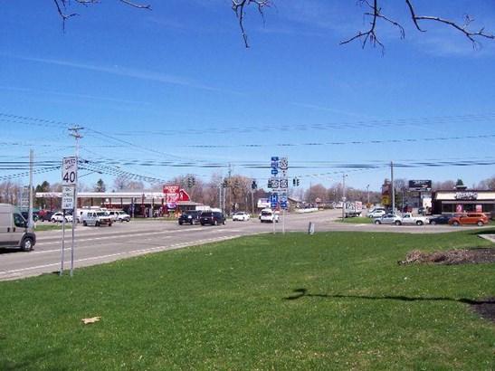 435 East Main  Street, Fredonia, NY - USA (photo 4)