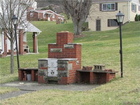 18 Hindman, Burgettstown, PA - USA (photo 3)