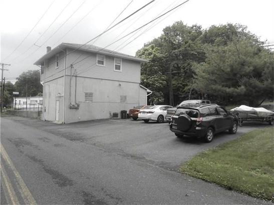 856 Pennsylvania Avenue, Pen Argyl, PA - USA (photo 3)