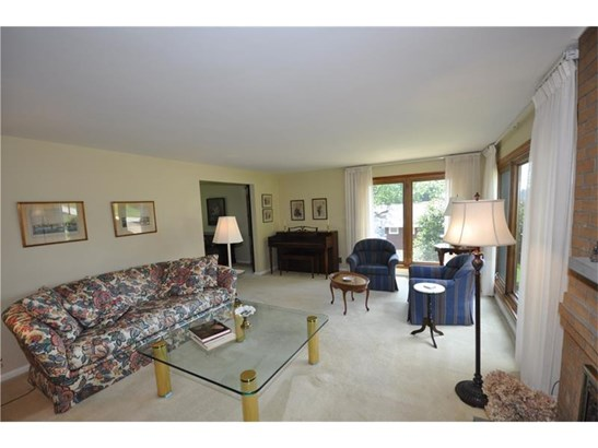 275 Oakcrest Lane, Pleasant Hills, PA - USA (photo 3)