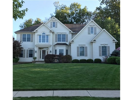370 Regal Oaks Cir, Aurora, OH - USA (photo 1)