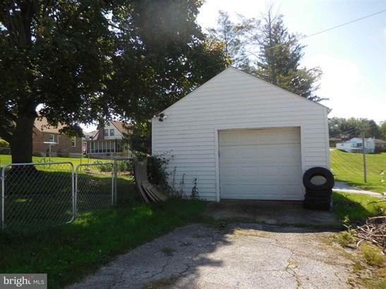 202 S Walnut St, Dallastown, PA - USA (photo 5)