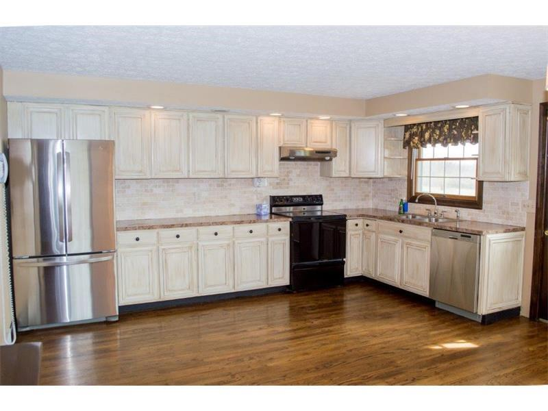 886 N Neshannock Rd, Hermitage, PA - USA (photo 5)