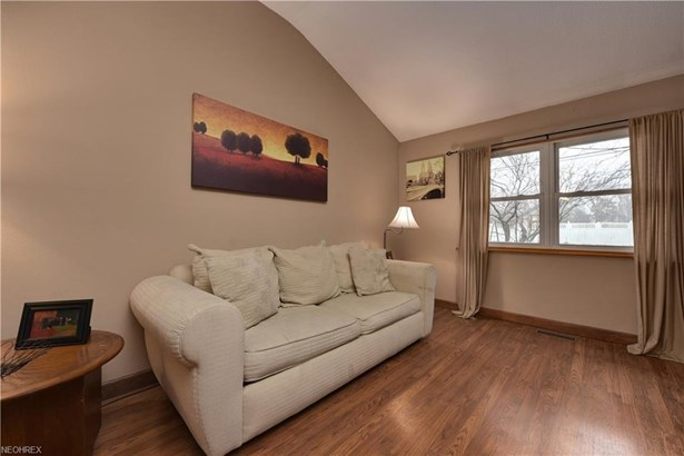 22285 Sycamore Dr, Fairview Park, OH - USA (photo 3)