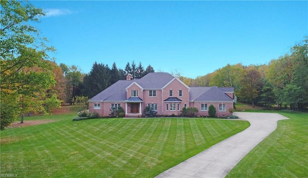 9735 Stafford Rd, Chagrin Falls, OH - USA (photo 1)