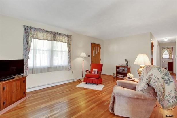 122 West Cloverdale Ave, Shrewsbury, PA - USA (photo 3)