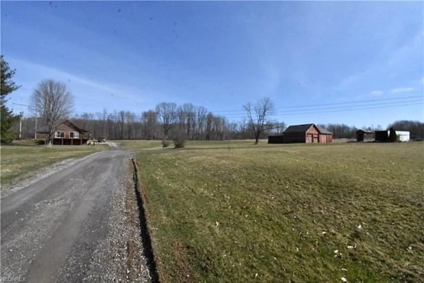 8009 Pound Rd, Hubbard, OH - USA (photo 4)