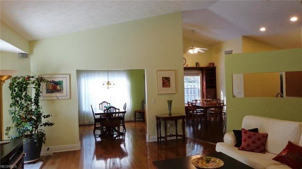 11370 Prouty Rd, Concord, OH - USA (photo 5)