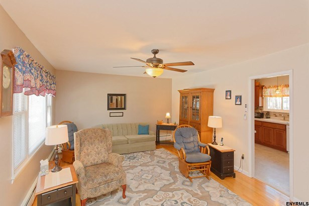 119 Guideboard Rd, Waterford, NY - USA (photo 4)