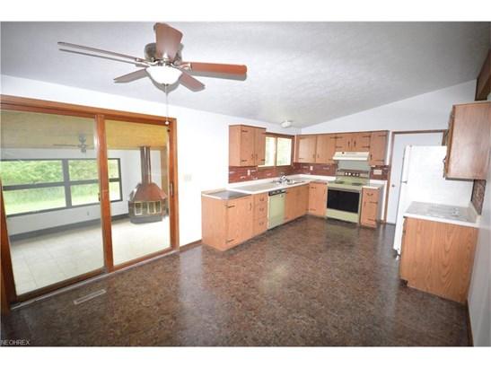 13630 Woodin Rd, Chardon, OH - USA (photo 4)