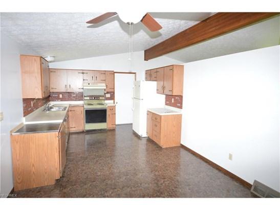 13630 Woodin Rd, Chardon, OH - USA (photo 5)