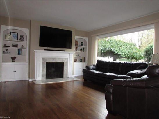 18971 Coffinberry Blvd, Fairview Park, OH - USA (photo 5)