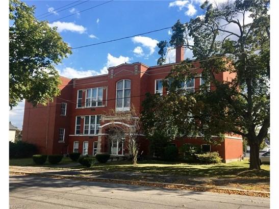 317 Pleasant St, Ashland, OH - USA (photo 1)