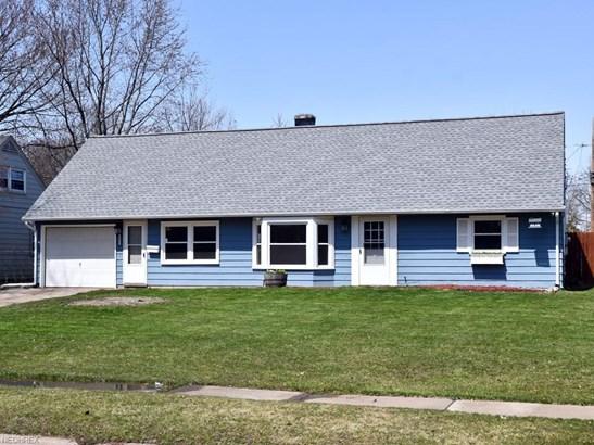 4855 Ivanhoe Ave, Sheffield Lake, OH - USA (photo 2)