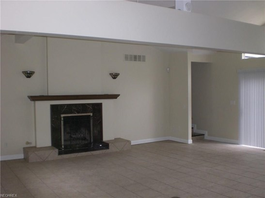 13950 Delaware Dr, Middleburg Heights, OH - USA (photo 4)