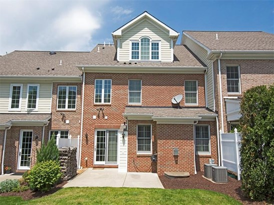 206 Georgetowne Court, Wexford, PA - USA (photo 2)