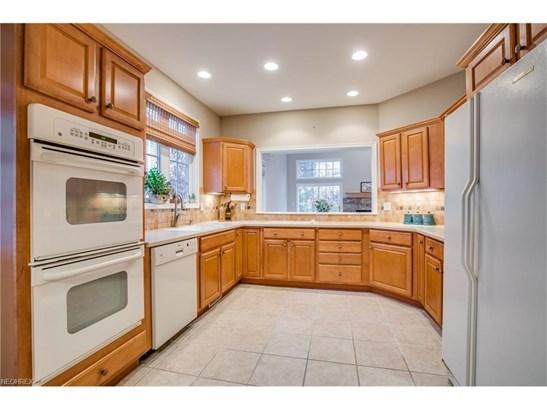 463 Dunbar Ln, Highland Heights, OH - USA (photo 2)