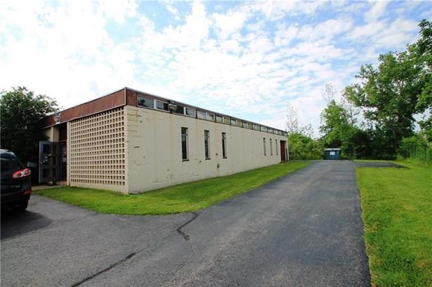 260 Commerce Drive, Henrietta, NY - USA (photo 1)