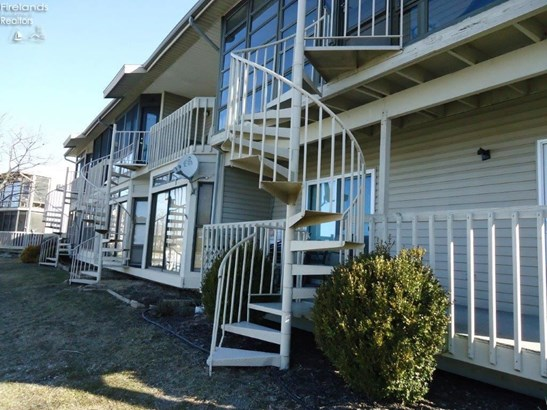 6334 N Harris Harbor Drive, Oak Harbor, OH - USA (photo 1)