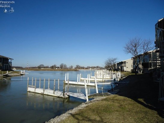 6334 N Harris Harbor Drive, Oak Harbor, OH - USA (photo 4)