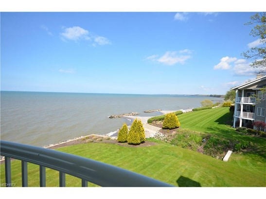 2856 Whispering Shores Dr, Vermilion, OH - USA (photo 2)