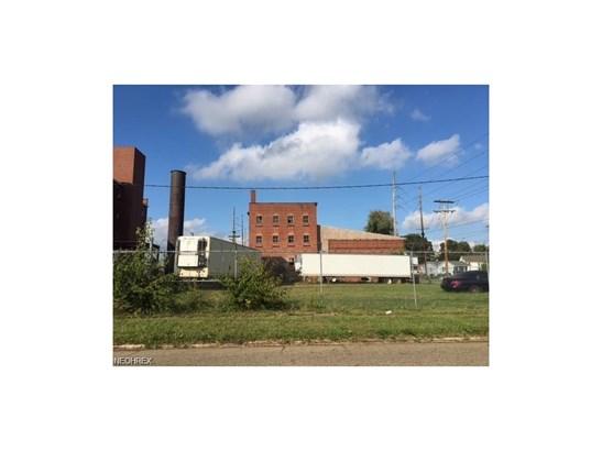 606 6th Ne St, Canton, OH - USA (photo 3)