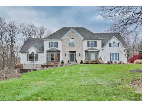 9950 Waterford Trl, Chagrin Falls, OH - USA (photo 2)